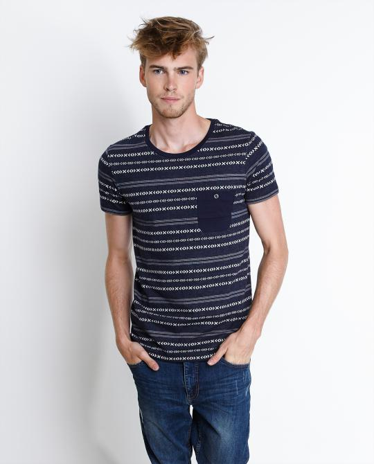etnisch-t-shirt-met-denim-look