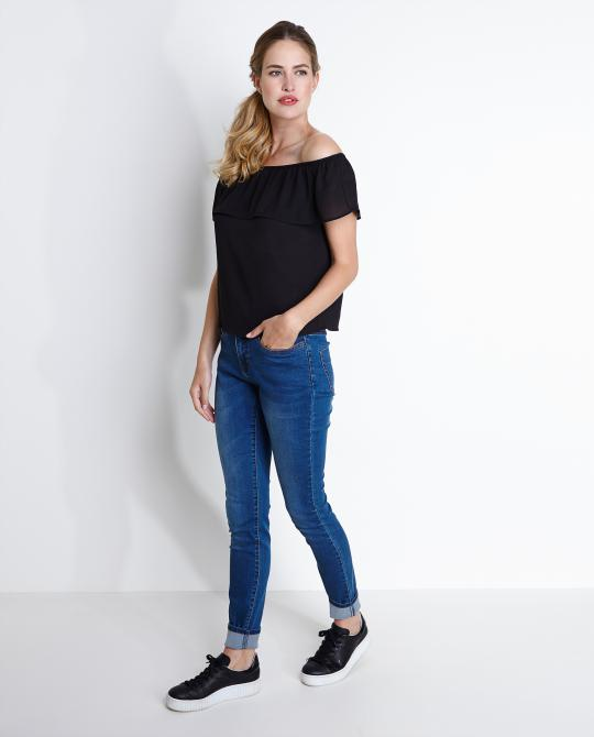 zwarte-off-the-shoulder-blouse