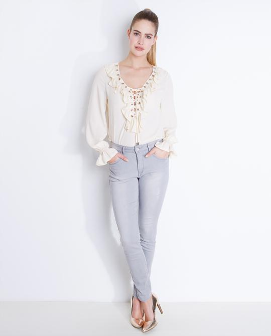 lace-up-blouse-met-volants