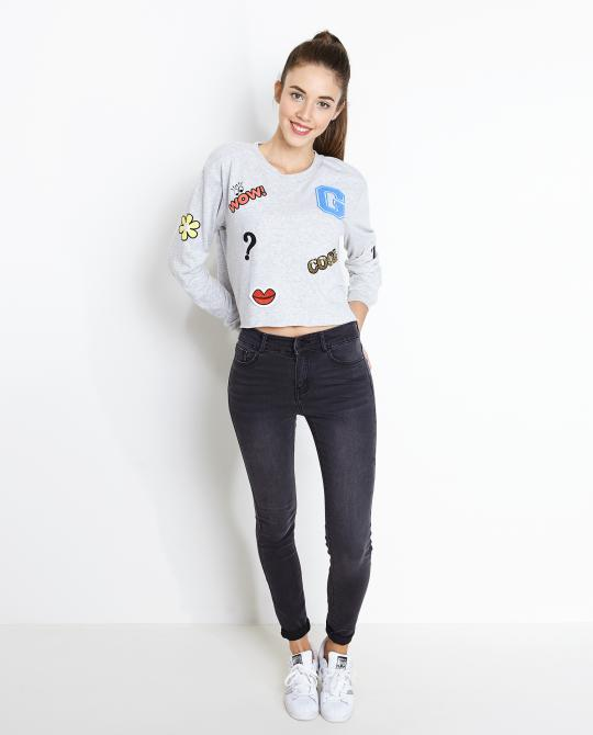 cropped-sweater-met-patches