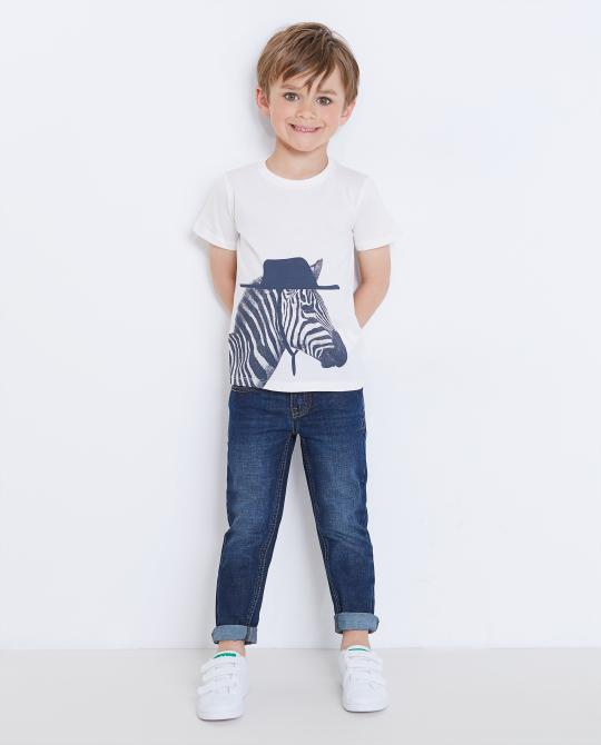 weisses-t-shirt-mit-zebraprint
