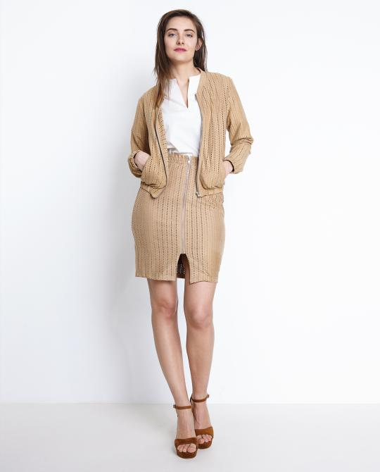beige-rok-met-perforaties-soft-rebels