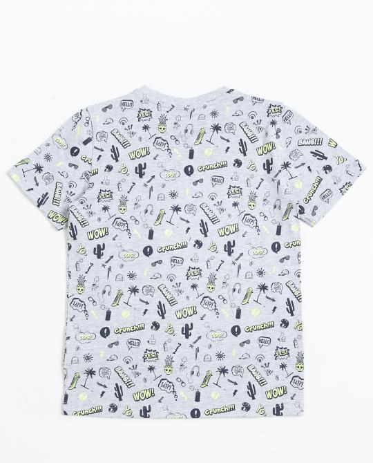 graues-t-shirt-mit-allover-print