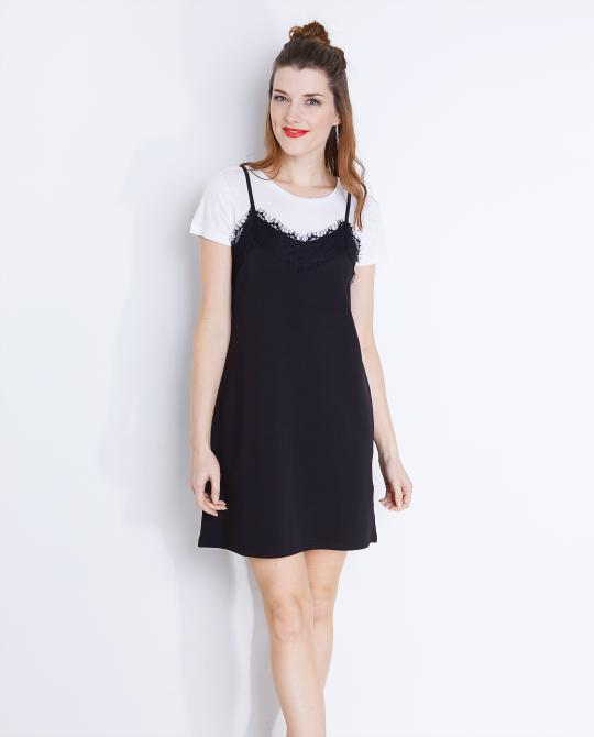 slip-dress-en-deux-parties-t-shirt