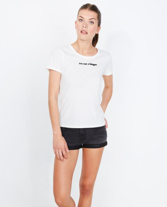 t-shirt-blanc-avec-inscription