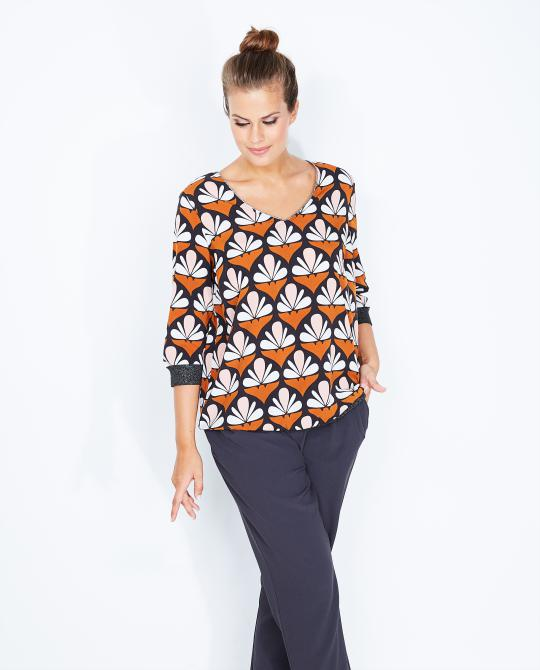 blouse-met-bold-retroprint