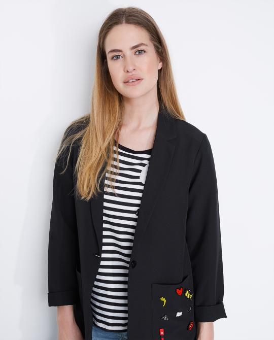 oversized-blazer-met-broches-youh