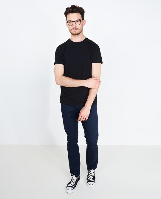 t-shirt-noir-slim-fit