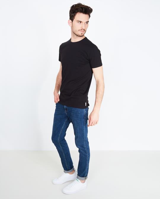 zwart-basic-t-shirt-slim-fit