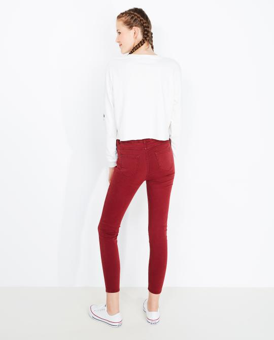 roomwitte-cropped-sweater