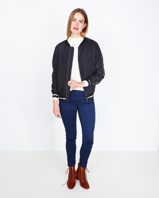 bomber-met-borduursel-soft-rebels