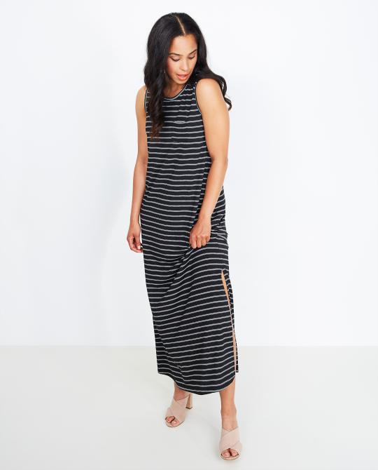 robe-maxi-a-rayures-noires-et-blanches