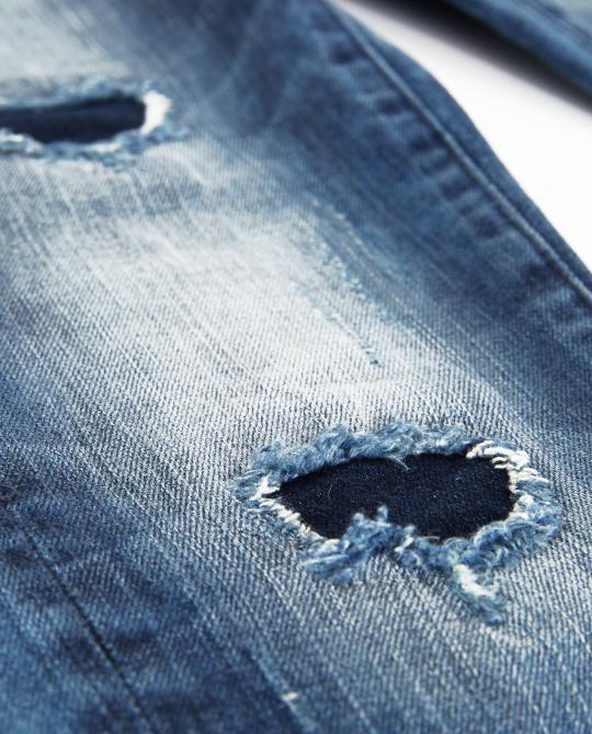 destroyed-boyfriend-jeans