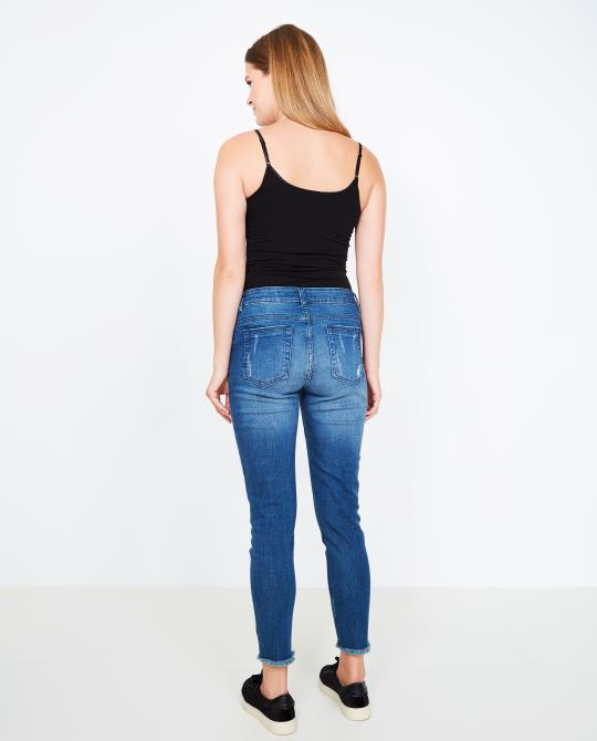 destroyed-skinny-met-borduursel