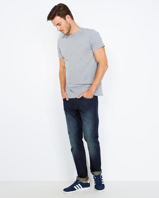 donkerblauwe-regular-fit-jeans