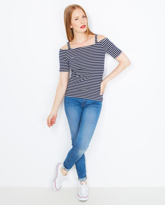 blauw-wit-off-shoulder-t-shirt