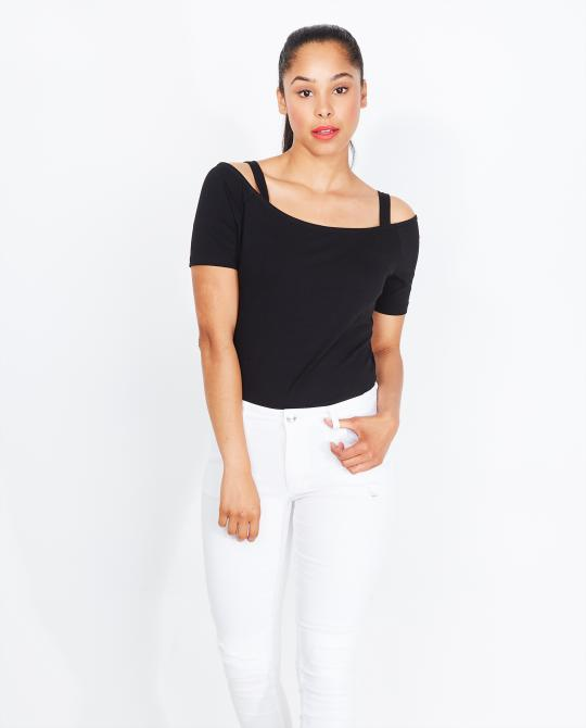 zwart-off-shoulder-t-shirt