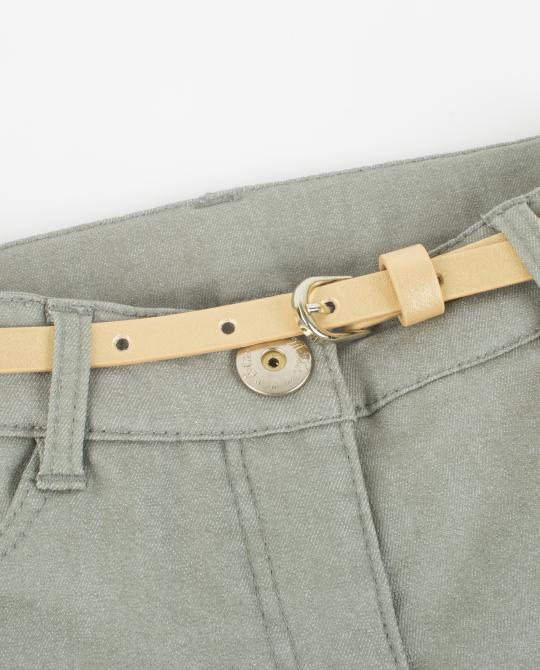 khaki-jeans-mit-coating
