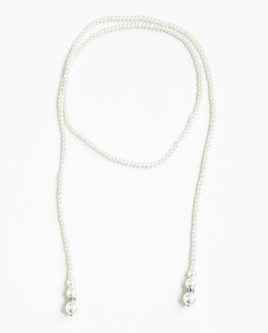 long-collier-de-perles-blanches