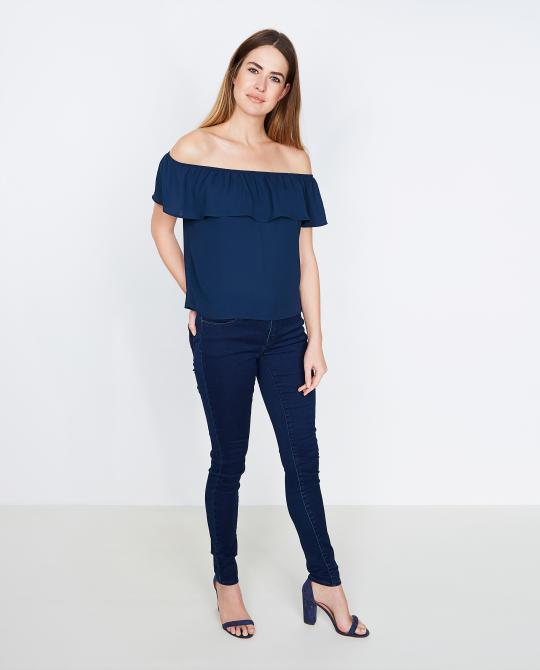 nachtblauwe-off-shoulder-top