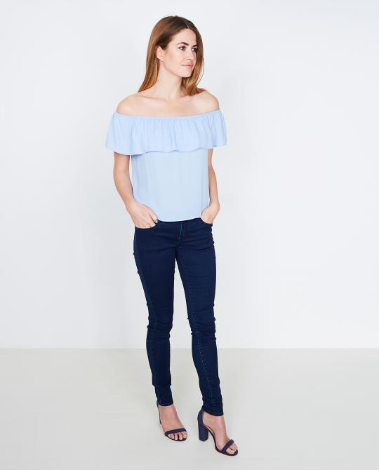 lichtblauwe-off-shoulder-top