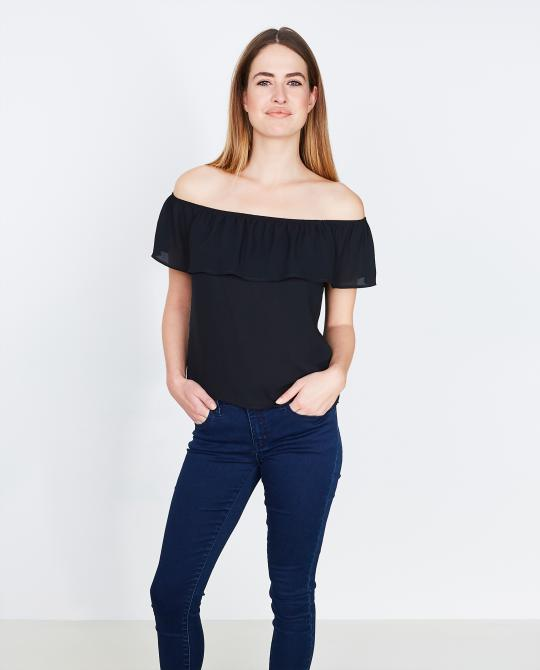 zwarte-off-shoulder-top