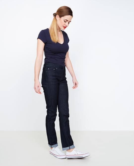 nachtblauwe-fitted-straight-jeans