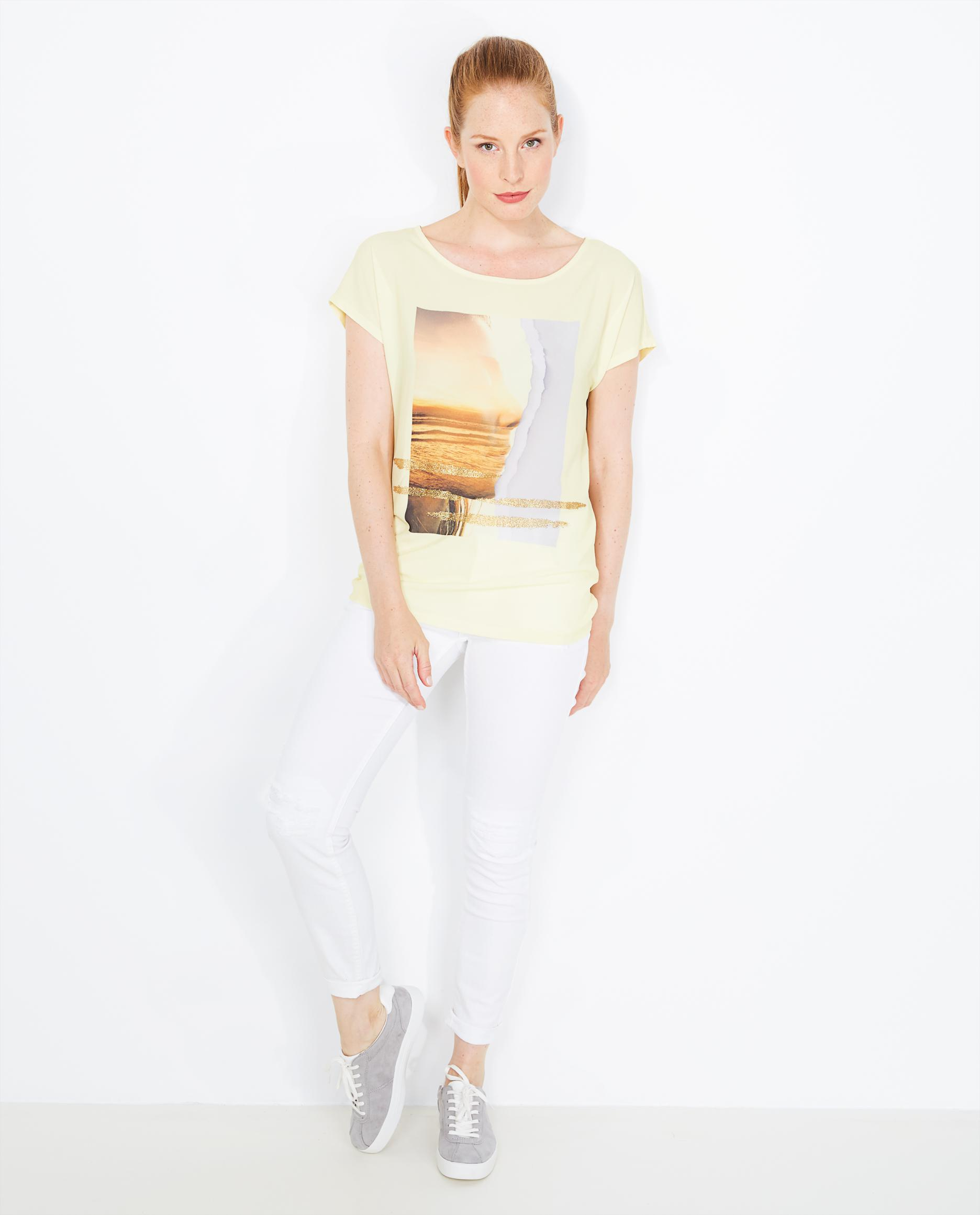 t shirt jaune avec une impression photo jbc belgique. Black Bedroom Furniture Sets. Home Design Ideas